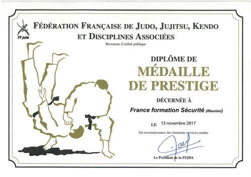 Diplome médaille de prestige remis par la FFJDA pour FFSR